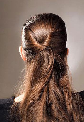 清新简单韩式盘发的方法