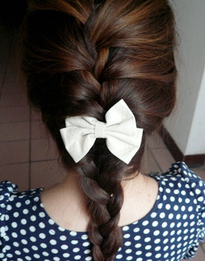 女生盘发的方法 (二)