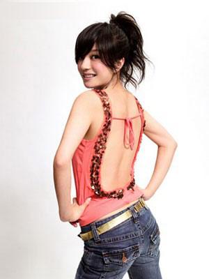 盘发使手臂纤细的方法