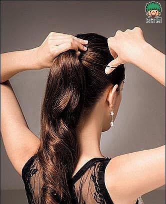 4款优雅的复古盘发方法(二)