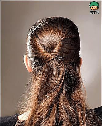 4款优雅的复古盘发方法(六)